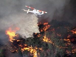 740935-fire-still-threatens-vic-grampians-towns